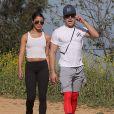 Exclusif - Zac Efron et sa petite amie Sami Miro se promènent avec leur chien au parc Griffith à Los Angeles. Sami est redevenue brune! Le 8 mars 2015