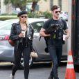 Zac Efron, moustachu, est allé déjeuner avec sa petite amie Sami Miro à Los Feliz. Le couple a adopté un petit chien depuis 1 mois. Le 17 décembre 2014