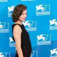 """Milla Jovovich (enceinte) lors du photocall du film """"Cymbeline"""" lors du 71e festival international du film de Venise, la Mostra, le 3 septembre 2014."""