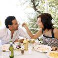 Exclusif - Cyril Hanouna et sa compagne Emilie partagent un déjeuner à San Remo, le 14 juillet 2007.