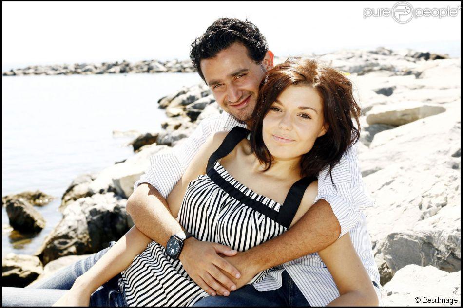 Exclusif - Cyril Hanouna et sa compagne Emilie posent à San Remo, le 14 juillet 2007.