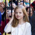 Leonor, princesse des Asturies, à l'aise dans ses missions d'héritière du trône... Felipe VI et Letizia d'Espagne, leurs filles Leonor, princesse des Asturies, et Sofia, ainsi que la reine Sofia assistaient ensemble, le 5 avril 2015, à la messe de Pâques en la cathédrale de Palma de Majorque.