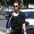 Kristen Stewart dans les rues de West Hollywood, le 28 mars 2015.