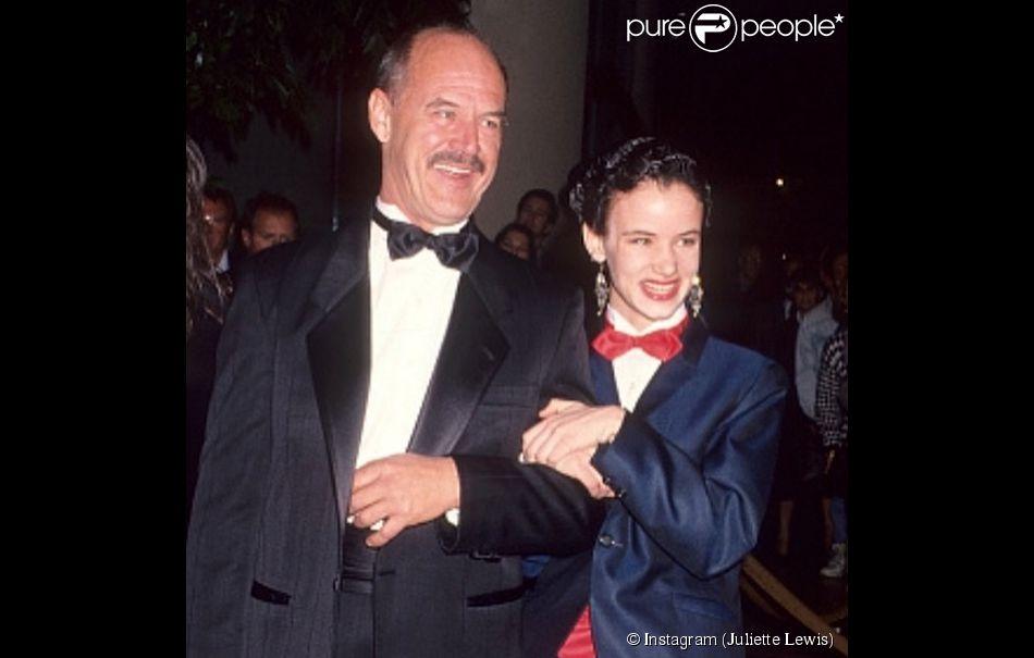 Juliette Lewis en compagnie de son père Geoffrey. L'acteur scientologue est mort mardi 7 avril 2015.