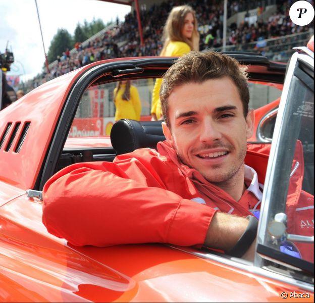 Jules Bianchi défile lors de la parade des pilotes sur le circuit de SPA Francorchamps, le 22 août 2014