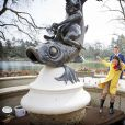La princesse Viktoria de Bourbon-Parme, épouse du prince Jaime, a récupéré le 13 avril 2015 les pièces de la fameuse fontaine à souhaits du parc d'attractions Efteling, à Kaatsheuvel, pour le compte de Save the Children Pays-Bas, dont elle est la marraine.