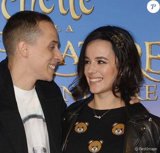Alizée et son compagnon Grégoire Lyonnet - Avant-première du film Clochette et la Créature légendaire au Gaumont Champs-Elysées à Paris, le 20 mars 2015.