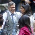 "George Clooney, Amal Clooney et Julia Roberts sur le tournage du film "" Money Monster "" de Jodie Foster à New York Le 18 Avril 2015"