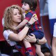 Shakira, avec ses enfants Milan (2 ans) et Sasha (3 mois), et sa belle-mère Montserrat Bernabeu, a assisté au match de football de son compagnon Gérard Piqué, Barca Vs Vanlence, à Barcelone. Le 16 avril 2015  016 APRIL 15. Shakira mother-of-two adorably dressed the couple's two sons Milan (aged two) and three-month-old Sasha in their father's Barca uniform as the family cheered on the home team attending soccer match of Pique.18/04/2015 - Barcelone