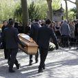 Exclusif - Famille et proches, dont la fille de la défunte Valentine Varela et Françoise Fabian au premier rang, lors des obsèques de Nina Companeez au cimetière du Père Lachaise à Paris, le 14 avril 2015. Elle a été enterrée dans la caveau familial.
