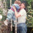 Aurélie Preston enfant avec sa grand-mère, un cliché dévoilé le 23 avril 2015.
