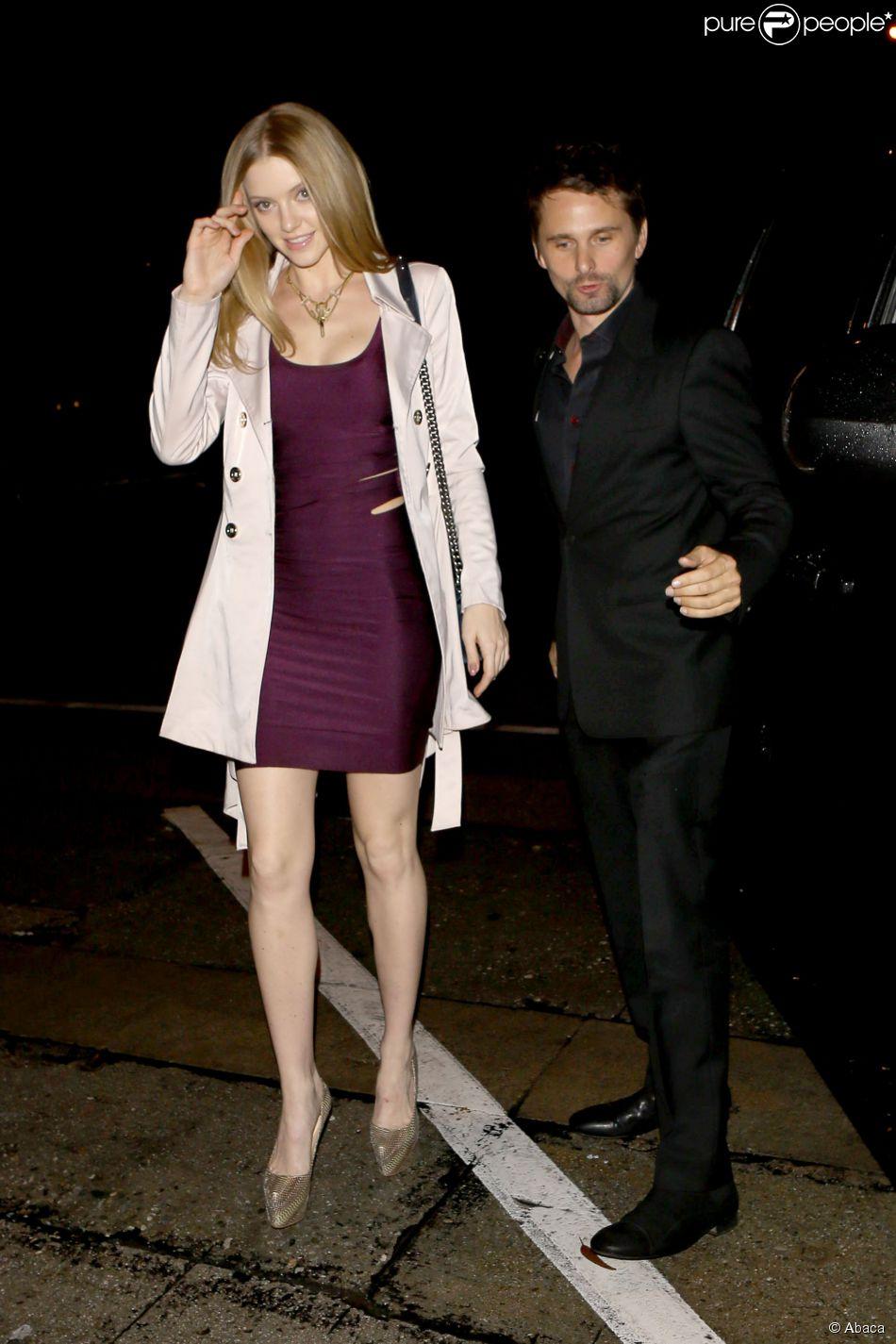 Matthew Bellamy et sa nouvelle petite amie Elle Evans sortent du restaurant Craigs, à Los Angeles, le 24 février 2015