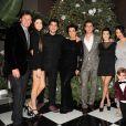 Bruce et Kendall Jenner, Rob Kardashian, Kris Jenner, Scott Disick, Kourtney et Kim Kardashian, Kylie Jenner et le petit Mason (fils de Kourtney et Scott) à Los Angeles. Décembre 2011.