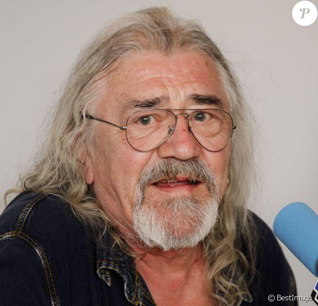 """Serge Koolenn à l'émission """"On repeint la musique"""" à Paris, le 28 mars 2012"""