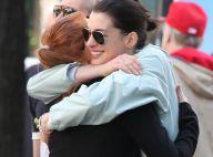 Anne Hathaway et Jessica Chastain : Un gros câlin sous le regard de leurs chéris