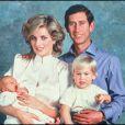 La princesse Diana, le prince Charles et leurs fils le prince Harry et le prince William en octobre 1984