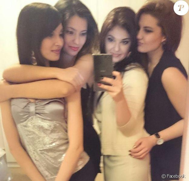 Mila Rasule et ses copines, sur Facebook le 24 décembre 2014