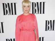 Pink : Robe XXL et baisers à son mari après les critiques sur son poids