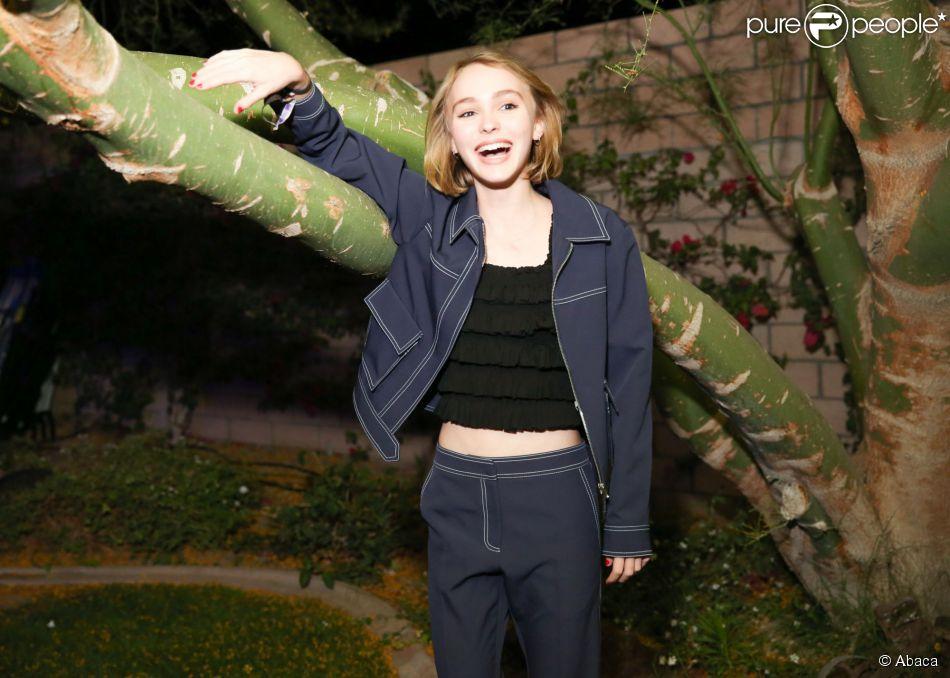 Lily-Rose Depp assiste à la soirée Moschino for Coachella à Bermuda Dunes, en Californie. Le 11 avril 2015.