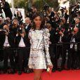 Liya Kebede, tout de Louis Vuitton vêtue (robe et escarpins en lézard de la collection automne-hiver 2015-2016) sur les marches du Palais des Festivals pour la projection du film La Tête Haute et la cérémonie d'ouverture du 68e Festival de Cannes. Cannes, le 13 mai 2015.