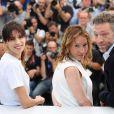 """Maïwenn (Maïwenn Le Besco), Emmanuelle Bercot et Vincent Cassel - Photocall du film """"Mon Roi"""" lors du 68e Festival International du Film de Cannes, le 17 mai 2015."""