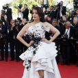 """Aishwarya Rai - Montée des marches du film """"Youth"""" lors du 68e Festival de Cannes, le 20 mai 2015."""