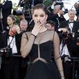 """Barbara Palvin - Montée des marches du film """"Youth"""" lors du 68e Festival de Cannes, le 20 mai 2015."""