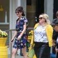 "Dakota Johnson et Rebel Wilson - Tournage du film ""How To Be Single"" à New York. Le 18 mai 2015 18 May 2015."