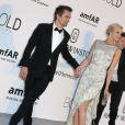 """Matthew Bellamy, leader du groupe Muse, et sa nouvelle compagne Elle Evans - Photocall de la soirée de gala """"22nd edition of AmfAR's Cinema Against AIDS"""" à l'hôtel de l'Eden Roc au Cap d'Antibes le 21 mai 2015, en parallèle du 68e Festival du film de Cannes."""