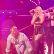 Britney Spears : Le beau motard de 'Toxic' devient son esclave sexuel sur scène