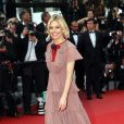 "Sienna Miller - Montée des marches du film ""Macbeth"" lors du 68e Festival International du Film de Cannes, le 23 mai 2015."