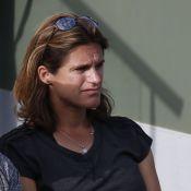 Roland-Garros : Amélie Mauresmo, enceinte au côté de Denis Brogniart et son fils