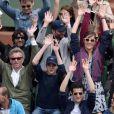 Denis Brogniart et son fils Dimitri, Pauline Lefèvre, Claudia Tagbo, Julie de Bona, Adrien Galo à Roland-Garros à Paris, le 25 mai 2015