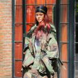 Rihanna arbore un look camouflage à la sortie de son hôtel à New York, le 15 mai 2015