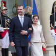 Le roi Felipe VI et la reine Letizia d'Espagne, deux mois après leur venue avortée du fait du crash de la Germanwings, ont été reçus à l'Elysée par le président de la République François Hollande, secondé par son ex-compagne la ministre de l'Ecologie Ségolène Royal, le 2 juin 2015 à Paris, à leur arrivée pour leur visite d'Etat de trois jours.