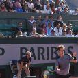 Victoire de Andy Murray sur David Ferrer en quarts de finale du tournoi de Roland Garros (7-6[4], 6-2, 5-7, 6-1) à Paris, le 3 juin 2015.