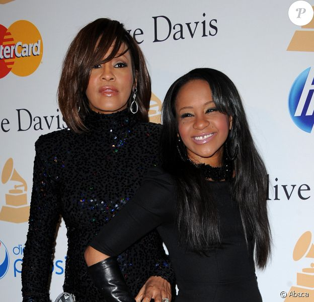 Bobbi Kristina et Whitney Houston à la soirée Pre-GRAMMY Gala & Salute to industry icons honoring David Geffen au Beverly Hilton Hotel de Los Angeles, le 12 février 2011