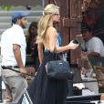Enterrement de vie de jeune fille de Nicky Hilton avec sa soeur Paris Hilton et des amis sur un bateau à Miami, le 6 juin 2015.