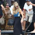 Enterrement de vie de jeune fille de Nicky Hilton avec sa soeur Paris Hilton et des amis sur un bateau à Miami, le 6 juin 2015