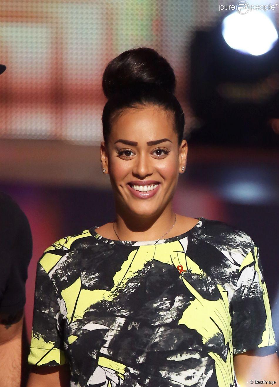 """Exclusif - Amel Bent - Enregistrement de l'émission """"Alors on chante"""" au palais des sports à Paris, qui sera diffusée le 28 novembre 2014 en Prime Time sur TF1."""