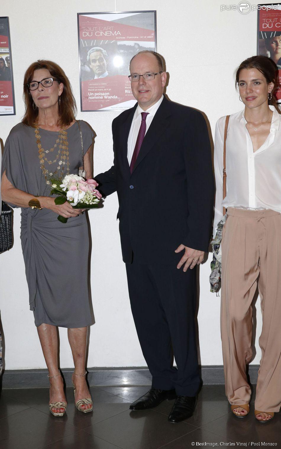 """La princesse Caroline de Hanovre, le prince Albert II de Monaco, Charlotte Casiraghi - Représentation en avant-première du documentaire """"Rainier III en films"""" au théâtre des Variétés à Monaco le 22 juin 2015."""