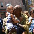 Tyrese Gibson et sa fille Shayla - Inauguration du Fast & Furious Supercharged Ride aux Studios Universal à Los Angeles le 23 juin 2015.