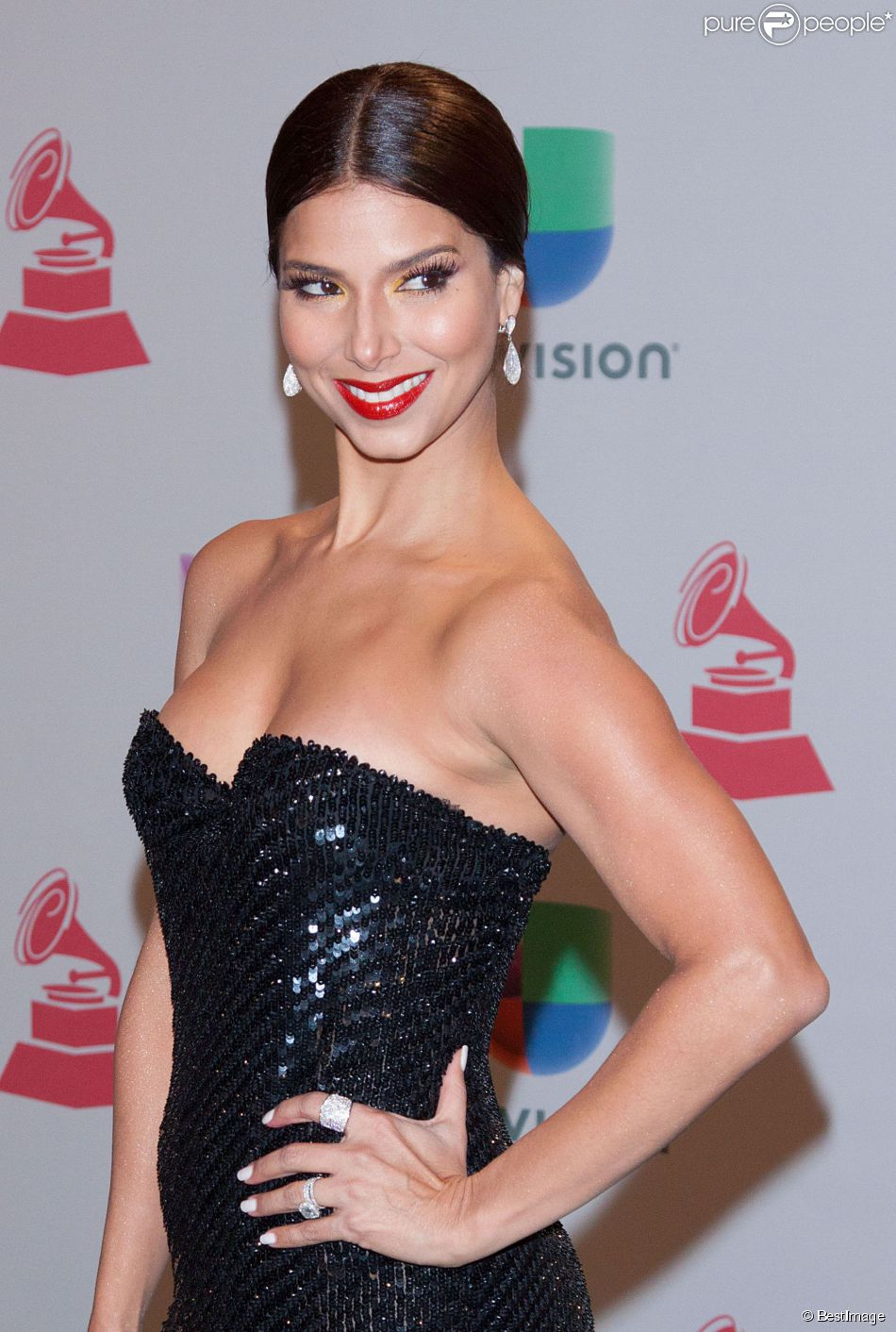 """Roselyn Sanchez lors de la soirée annuelle des """"Latin Grammy Awards"""" au MGM Grand Garden Arena à Las Vegas, le 20 novembre 2014."""