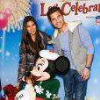 """Roselyn Sanchez et Eric Winter avec leur fille Sebella Rose à la soirée """"Disney on Ice Let's Celebrate!"""" à Los Angeles, le 11 décembre 2014"""