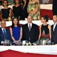 Le prince Albert II de Monaco, Charlotte Casiraghi, Gad Elmaleh, Thierry Rozier, l'entraîneur de Charlotte et la princesse Alexandra de Hanovre lors de la soirée de clôture du Jumping de Monte-Carlo, à Monaco le 27 juin 2015