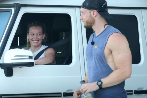 Hilary Duff radieuse avec un bel inconnu : La star a-t-elle retrouvé l'amour ?