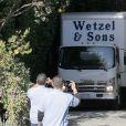 Des camions de déménagement devant le domicile de Jennifer Garner et Ben Affleck à Pacific Palisades, le 21 juin 2015.