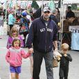 Ben Affleck et Jennifer Garner font du shopping avec leurs enfants à Los Angeles le 14 Juin 2015.