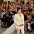 Kendall jenner défile pour Chanel (collection haute couture automne-hiver 2015-2016) au Grand Palais. Paris, le 7 juillet 2015.