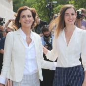 Fashion Week : Inès de la Fressange et sa fille applaudissent Karl et Kendall